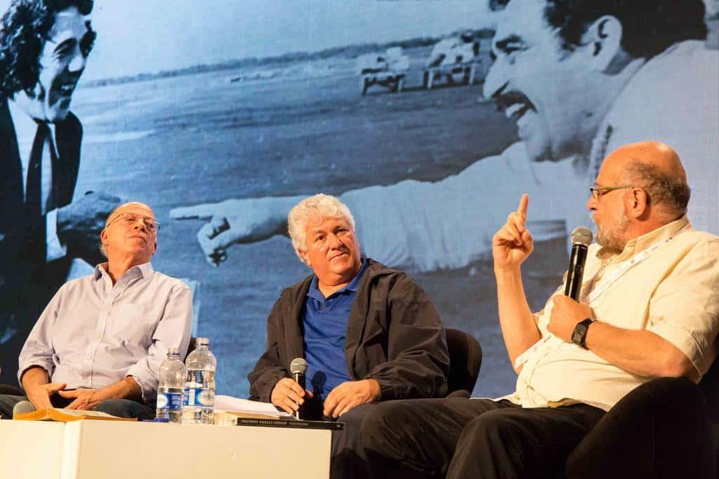 Charla 'Álvaro Cepeda Samudio, periodista', con Daniel Samper Pizano (Colombia), Enrique Santos (Colombia) y Tita Cepeda (Colombia) en conversación con Juan José Hoyos (Colombia). Foto: Julián Roldán Alzate /FNPI