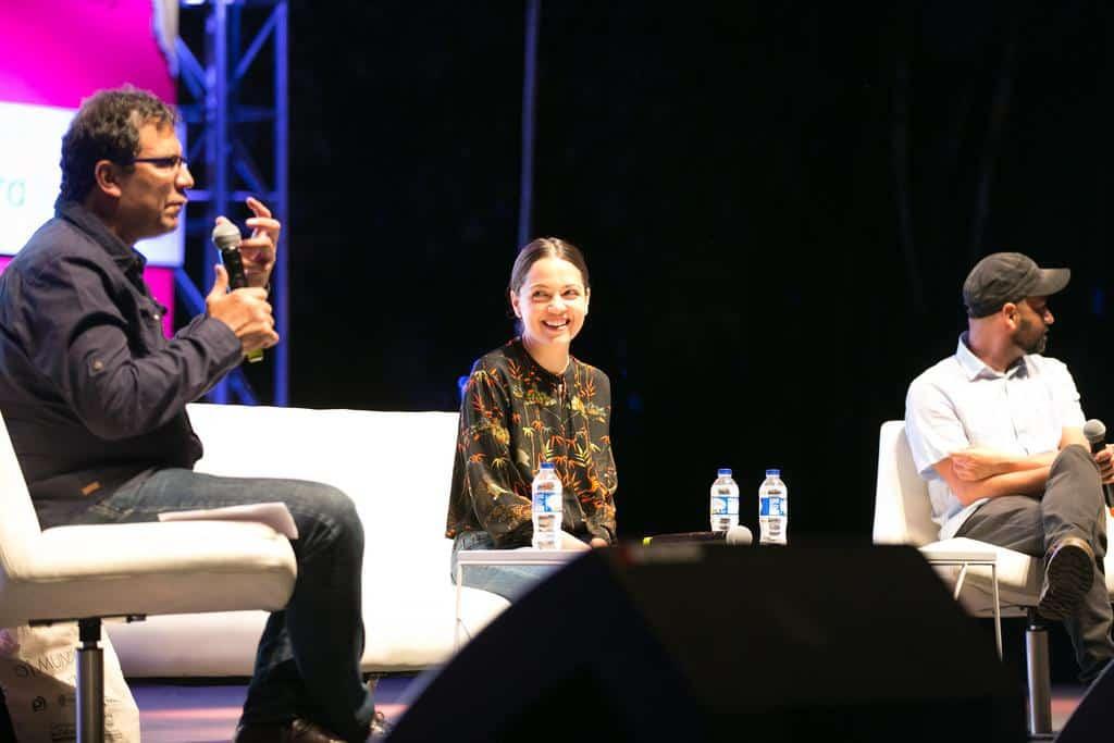 Natalia Lafourcade en la charla 'Hasta la Raíz'. Foto: David Estrada/FNPI.