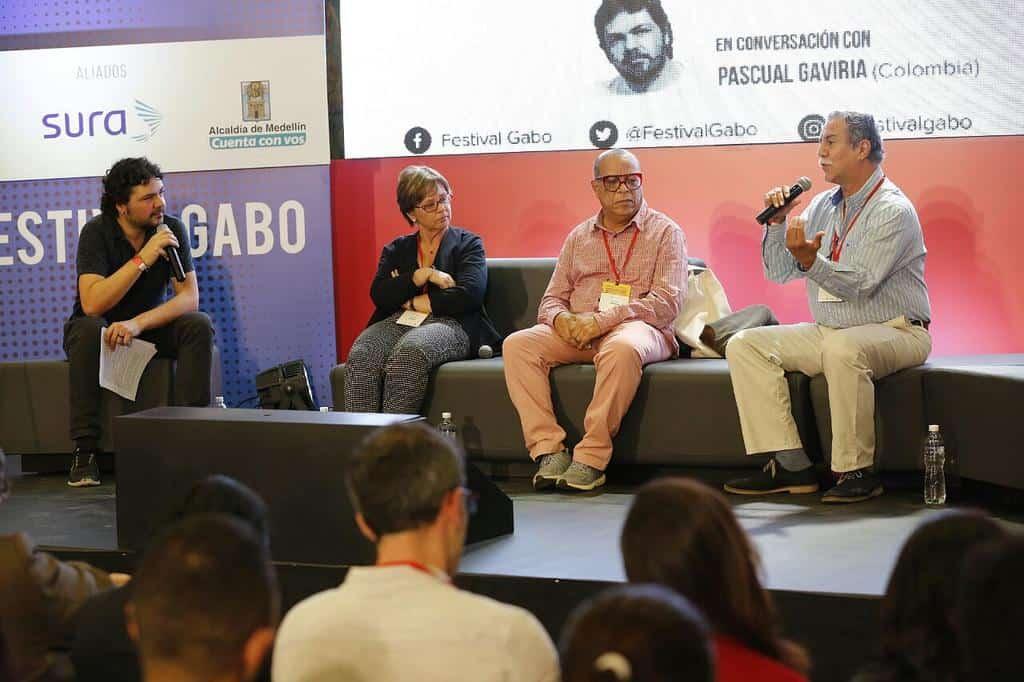 Pascual Gaviria, Piedad Bonnett, Álvaro Barrios y Víctor Gaviria en la charla 'Un nuevo relato de país'.
