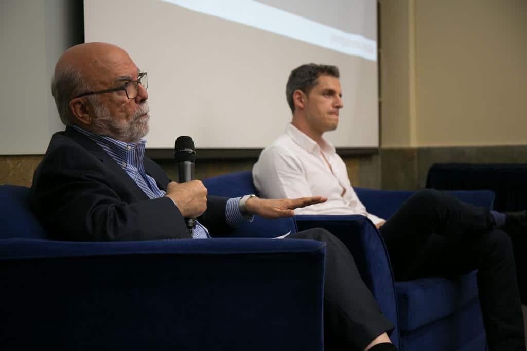 Rosental Alves y Dan Archer en el coloquio Realidad Virtuel. Foto: David Estrada/FNPI.
