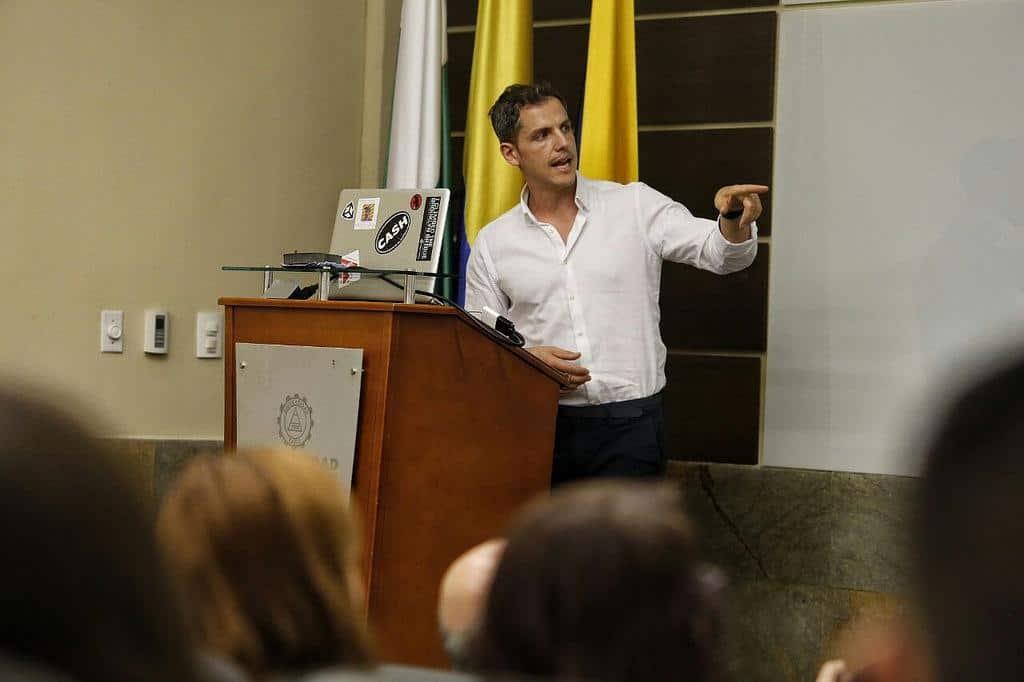 Dan Archer en el coloquio Realidad Virtual. Foto: David Estrada/FNPI.
