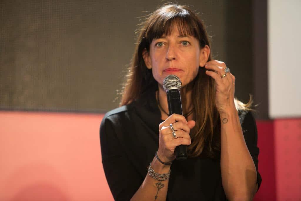 Adriana Zehbrauskas en la charla ' Nuevos marcos para su majestad, la imagen'. Foto: David Estrada/FNPI.