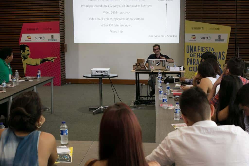 Dan Archer en le taller de Realidad Virtual. Foto: Julián Roldán/FNPI.