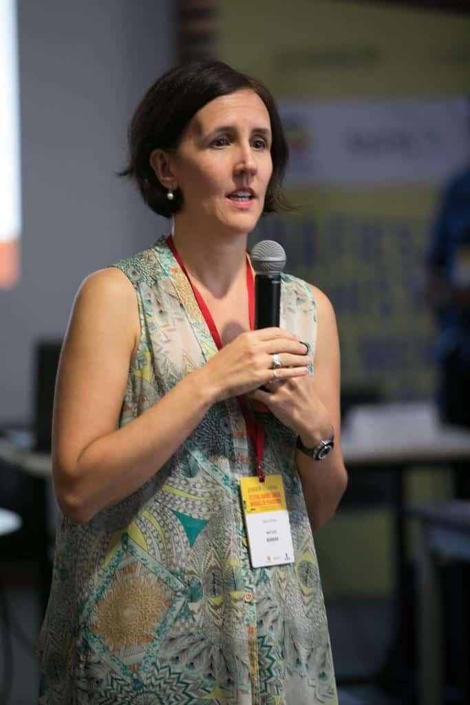 Marina Walker en el taller Periodismo sin Fronteras. Foto: Julián Roldán/FNPI.