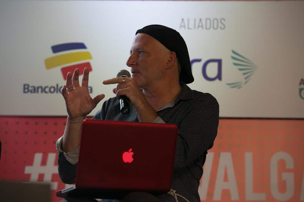 Stephen Ferry en la charla ' Nuevos marcos para su majestad, la imagen'. Foto: David Estrada/FNPI.