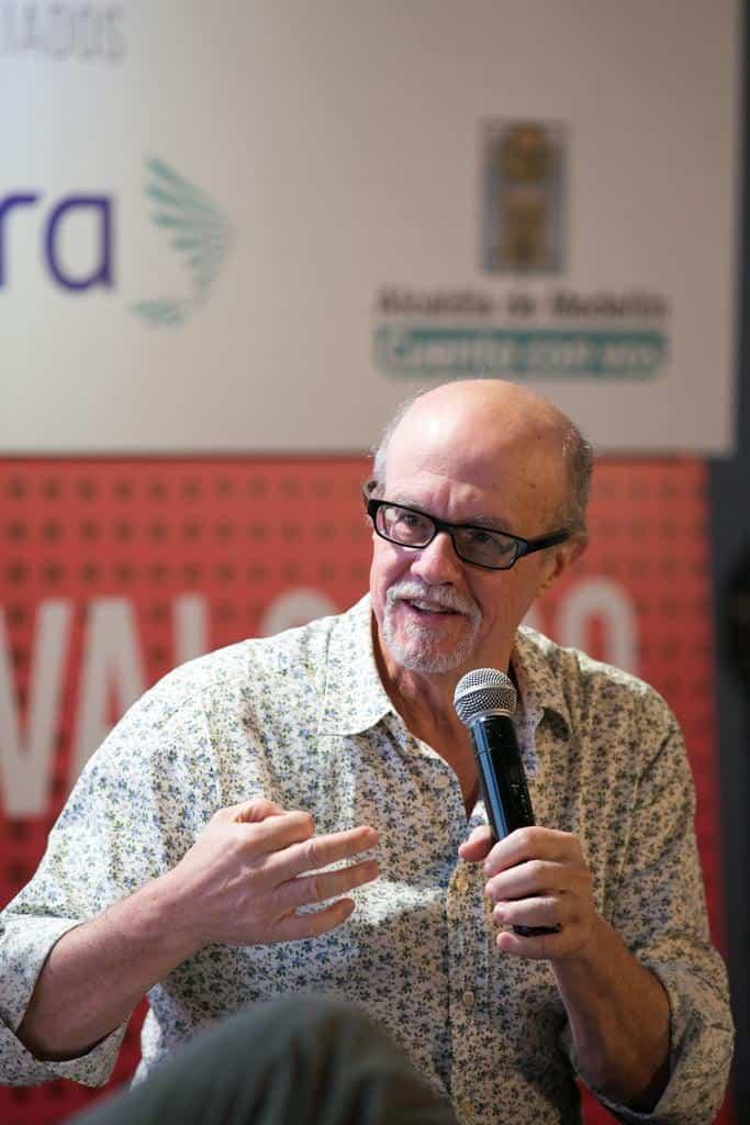 Héctor Feliciano en la charla ¿Cómo pensar el arte, el placer, la belleza y la verdad?'.Foto: David Estrada/FNPI.