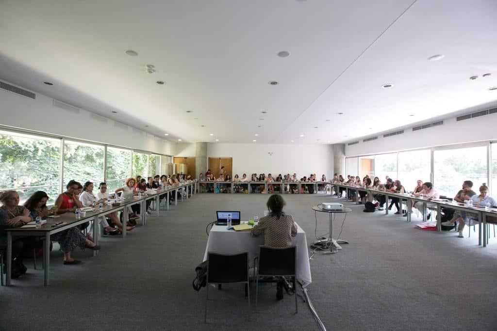 Judith Thurman en el taller 'Mujeres perdidas, otras mujeres'. Foto: Julián Roldán/FNPI.