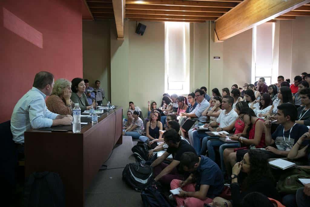 Charla 'Periodismo sin ánimo de lucro' (2016). Foto: David Estrada/FNPI.