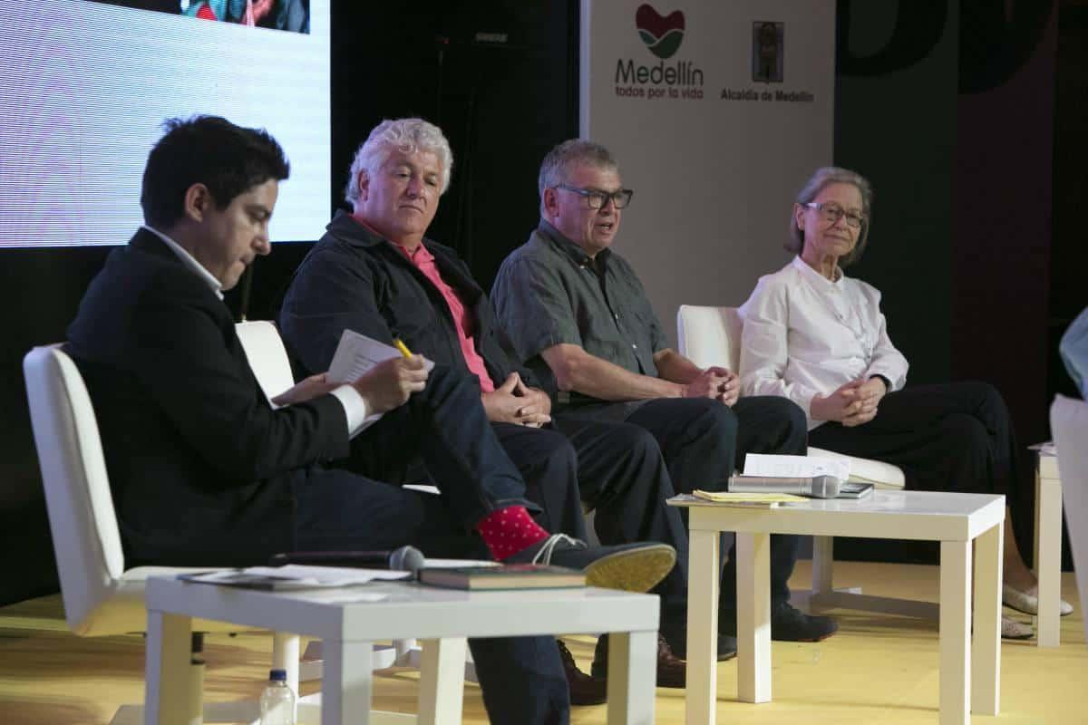 Panel sobre periodismo y América Latina 'Cubrir un continente'. Foto: Julián Roldán/ FNPI.