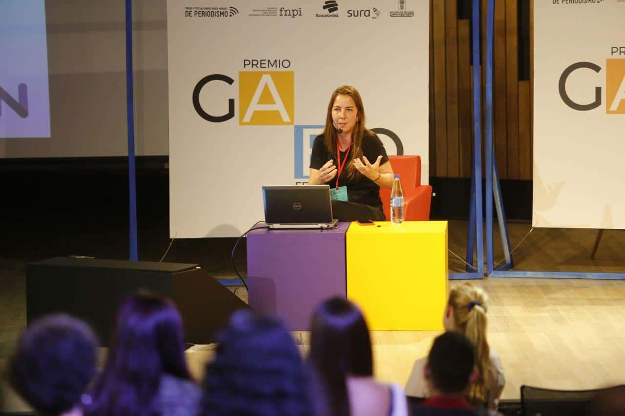 Renata Rizzi explica el modelo de Nexo Jornal.