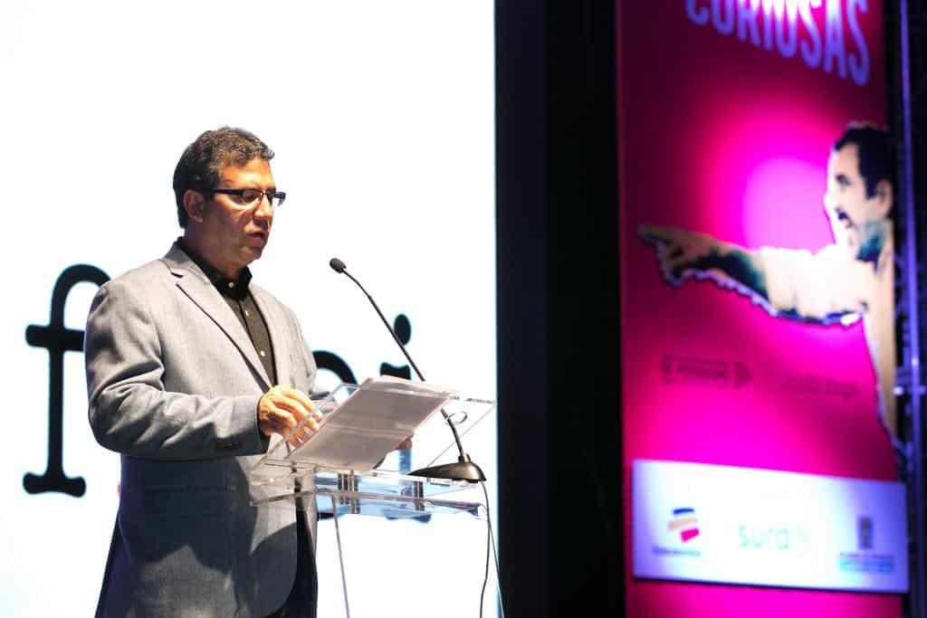 Alberto Salcedo Ramos fue el encargado de dirigir la ceremonia de premiación. Foto: Julián Roldán/FNPI.