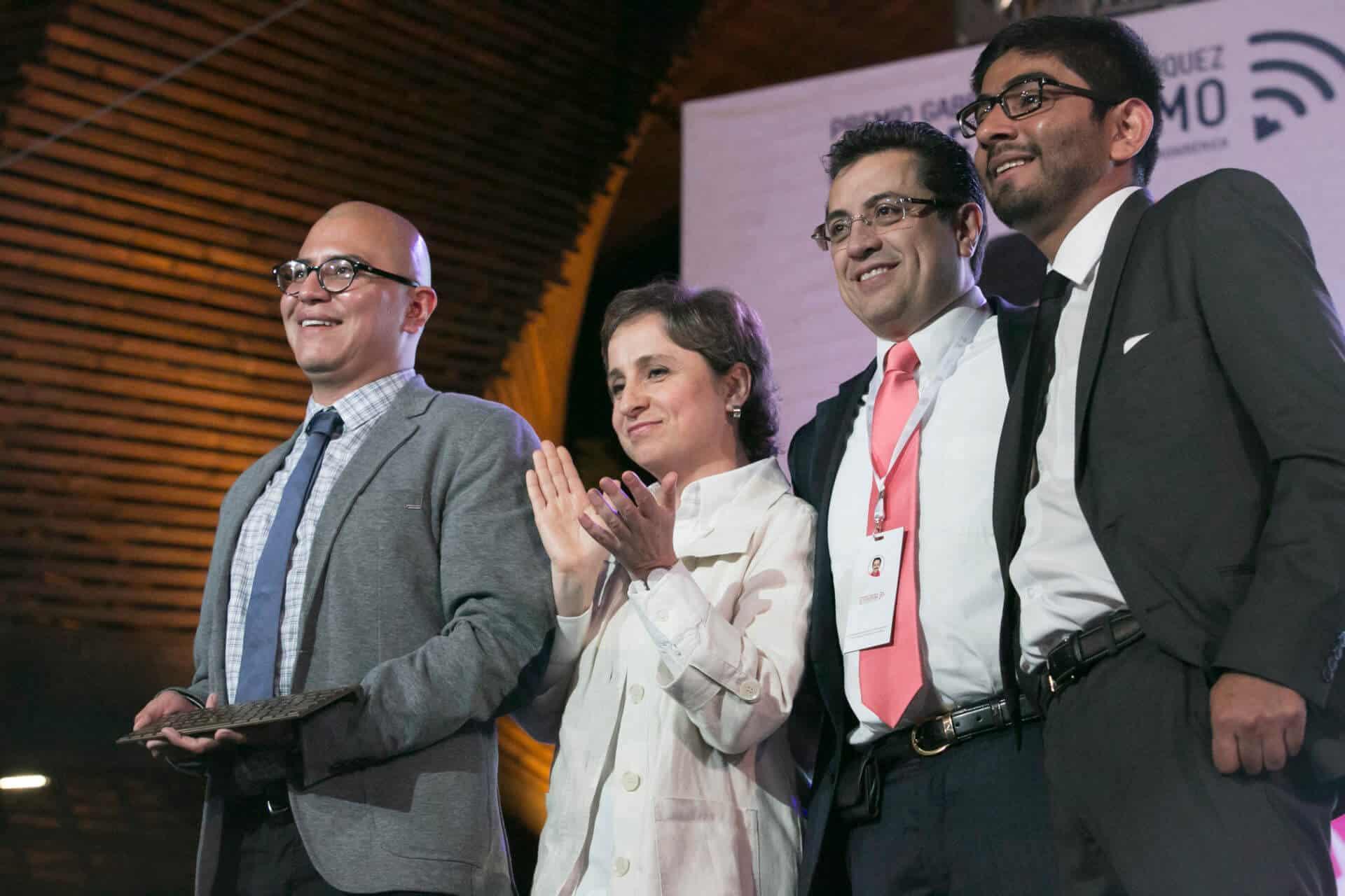 Equipo de Aristegui Noticias, ganador del Premio Gabo, categoría Cobertura, en 2015.
