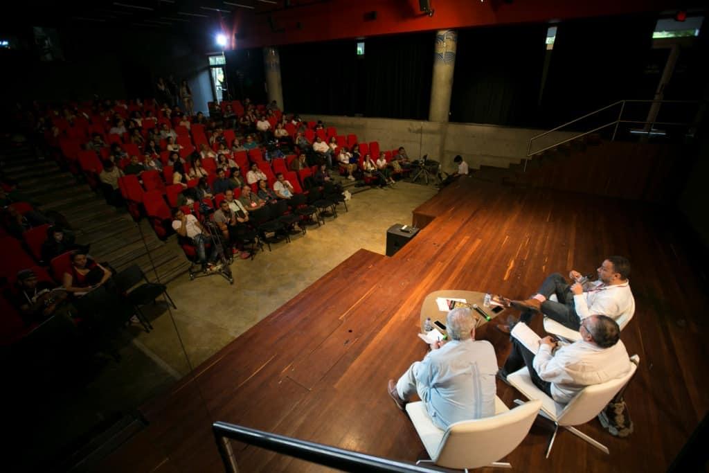 Charla Investigación y construcción de personajes para las historias de ficción en el Parque Explora durante el Festival Gabo 2018. Foto: Julián Roldán/FNPI.