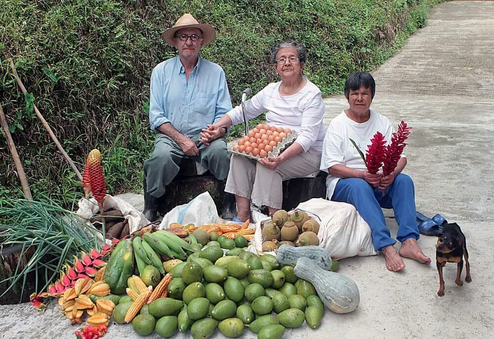 Fotografía del padre, Héctor, y la madre de Jesús Abad, Josefa, compartida por él con sus amigos el día del fallecimiento del primero.