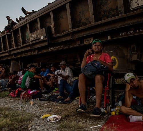 A caravana migrante que cruza o México em busca de asilo nos EUA - Premio Gabo 2019