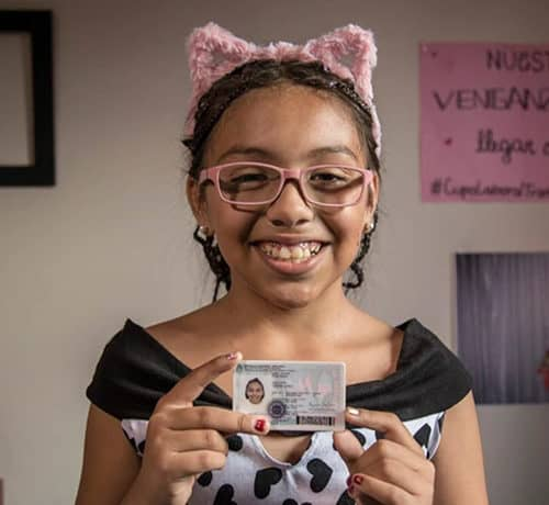 """A solas con Tiziana, la niña trans que rompió el silencio a los 8 años: """"Soñaba que me miraba en el espejo y era nena"""""""