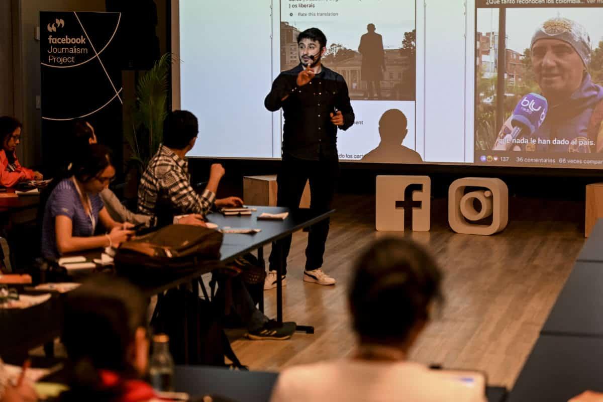 Alejandro Gonzalez durante el Taller Facebook para elecciones. Foto: Joaquin Sarmiento / Fundación Gabo